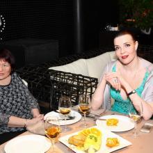 Elena Ladonko and Maria Tarasevich