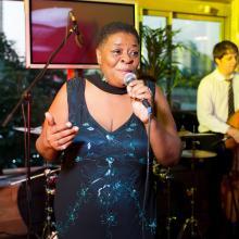 Jazz singer - Janine Karter