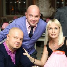 Даниил Левин с супругой и Эдуард Зизак
