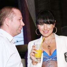 Лена Ленская с поклонником